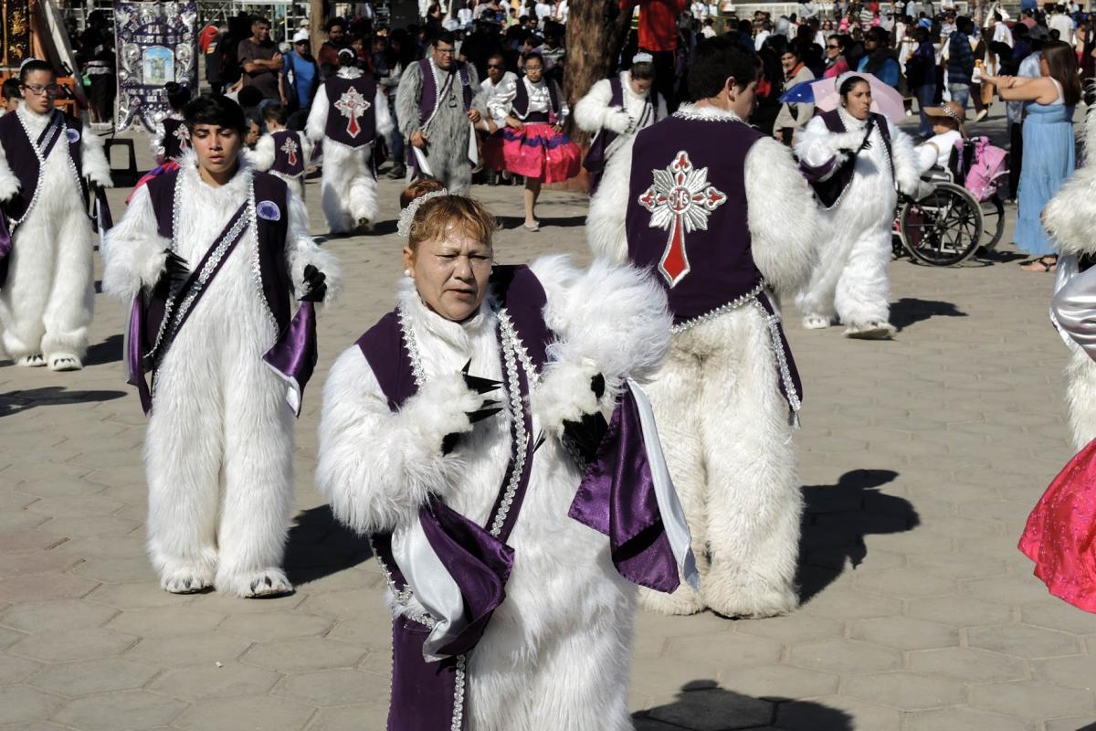 Members of the Osadas (bear dancers) Servants of God from Arica