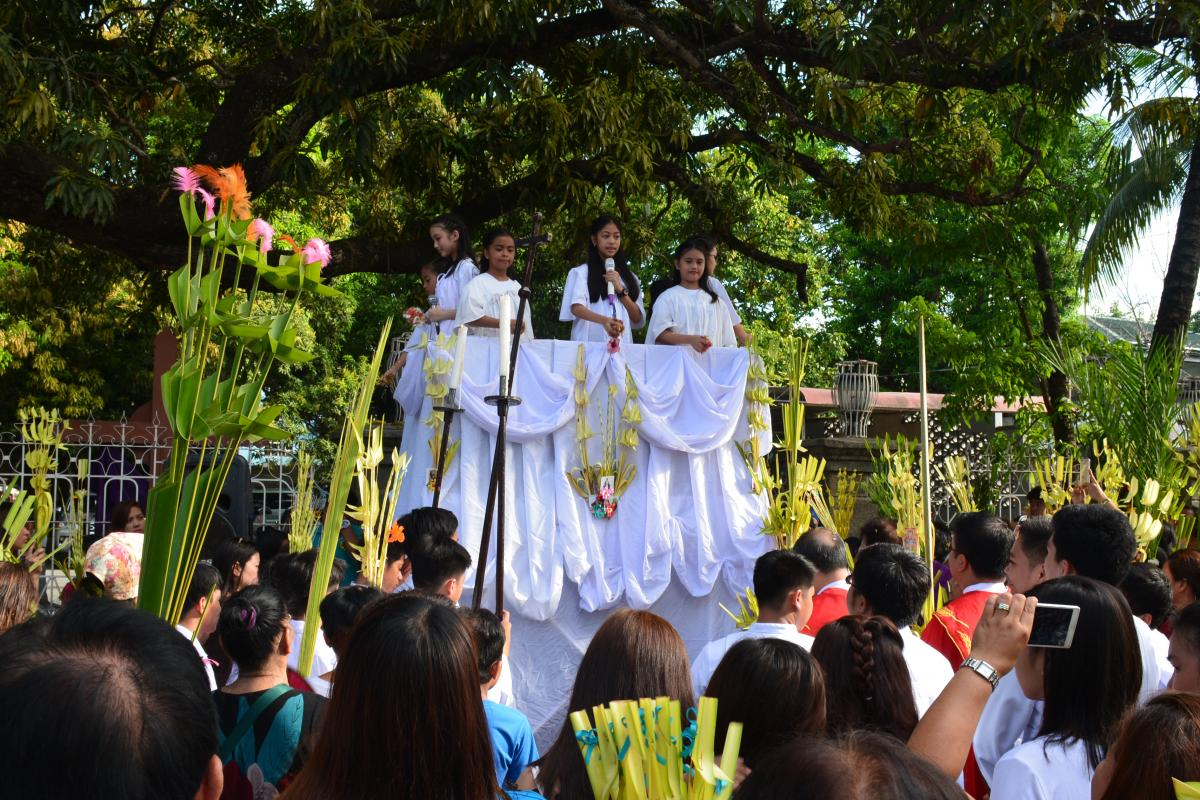 Masses and Processions during Holy Week in the Philippines