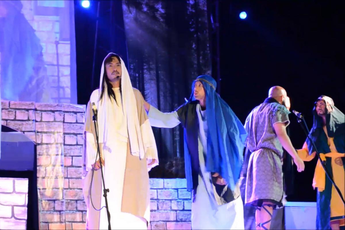 Senakulo: Holy Week street plays in the Philippines reenact