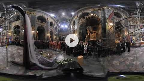 360° Video: Midnight Easter Liturgy, Ukraine 2017